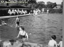 chorlton%20park%20paddling%20pool%201959